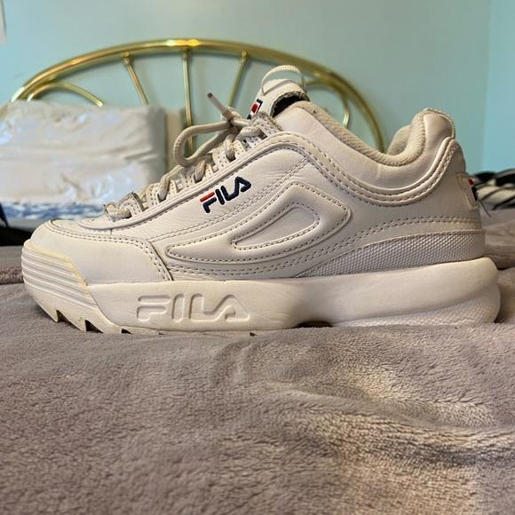 White Fila disruptor II size 7 used